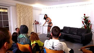 Leader cougar Jasmine Jae gets fucked by means of Coitus Ed lessons