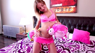Lovely non-specific Amy Sweet tries out a new toy on her delicious cunt
