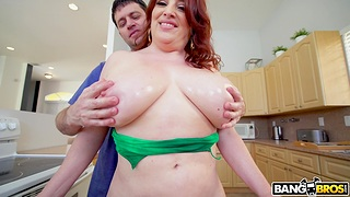 Busty redhead amateur Maggie Green gets fucked outlander behind