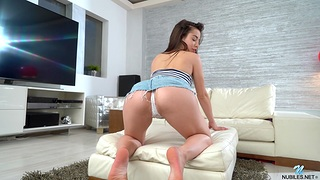 Irresistible Anastasia Brokelyn moans while playing roughly a vibrator
